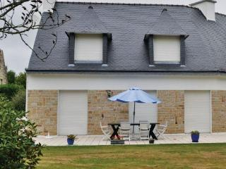 Nice Villa with Washing Machine and Satellite Or Cable TV - Benodet vacation rentals
