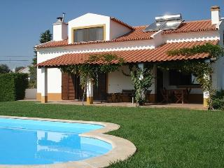 Alentejo with a private pool, 1 hour from Lisbon - Évora vacation rentals