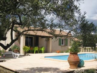Cozy 3 bedroom Salernes Villa with Internet Access - Salernes vacation rentals