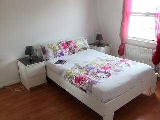 Lovely Double Room in zone 2 - London vacation rentals