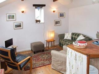 THE BARN, village centre cottage, close pub, WiFi, patio with views, ideal touring base, Middleton Ref 27858 - Middleton vacation rentals