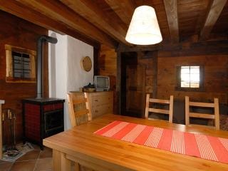 Romantic 1 bedroom Condo in Introd - Introd vacation rentals