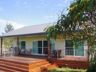 Perfect House with Deck and Internet Access - Port Macquarie vacation rentals
