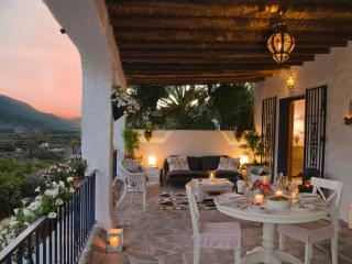 Valle de Lunas - Henna Moon Suite - Orgiva vacation rentals