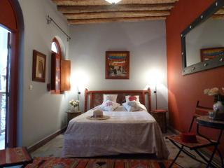 Luxury 3 bedroom riad with pool and roof terrace - Marrakech vacation rentals