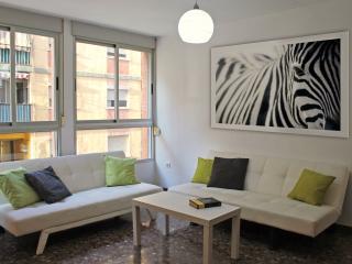 Apartment Valencia Torrefiel - Bright and modern - Valencia vacation rentals