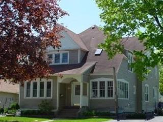 Comfortable 4 bedroom House in South Haven - South Haven vacation rentals