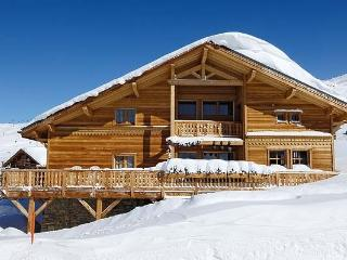 Chalet Altiport chalet in the Alps for rent, French chalet to let, chalet in - Clugnat vacation rentals