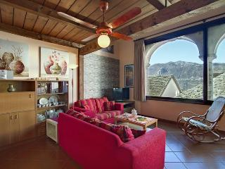 ROMANTIC, CENTRAL  APARTMENT  BELLAVISTA LAKE VIEW - Orta San Giulio vacation rentals