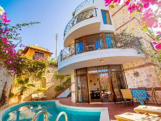 4 bedroom Villa with Internet Access in Kalkan - Kalkan vacation rentals