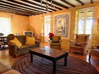 Nice Gite with Internet Access and Dishwasher - Castelnaud-la-Chapelle vacation rentals