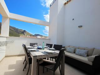 Pollensa Family Penthouse 150mtrs from the beach. - Port de Pollenca vacation rentals