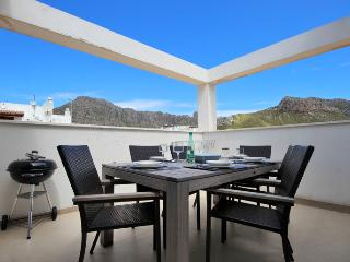 Pollensa Family Penthouse 150mtrs beach. - Port de Pollenca vacation rentals