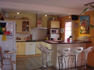 Nice Gite with Internet Access and Tennis Court - Cancale vacation rentals