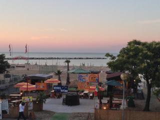 Trilocale a Rivabella di Rimini, di fronte al mare - Rimini vacation rentals