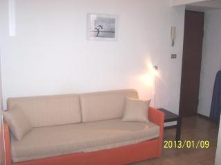 Holiday studio, near Metro station - Turin vacation rentals