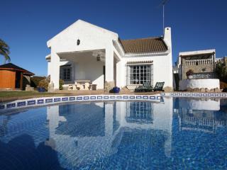 Zahora villa with saltwater pool, private Spa & AC - Zahora vacation rentals