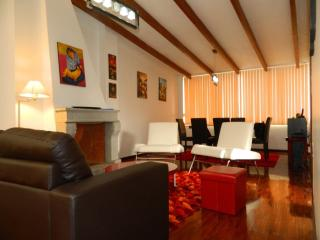 ITSA HOME - Torre Santos apt 3A - Quito vacation rentals