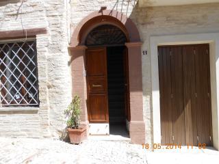 CASA CATERINI- in centro storico luminosa riservat - Montefalco vacation rentals