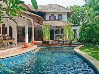 Quiet Area 6 bedrooms Villa Close to Seminyak - Seminyak vacation rentals