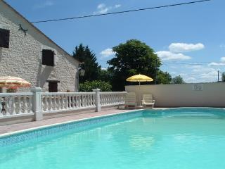 Les Granges (Violette) - holiday gites with pool - Sainte Foy-la-Grande vacation rentals