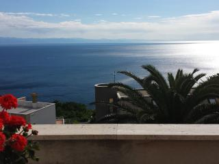 Bright Bergeggi vacation Condo with Internet Access - Bergeggi vacation rentals