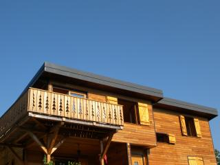 Cozy Gite with Dishwasher and Local Guides in Chambéry - Chambéry vacation rentals