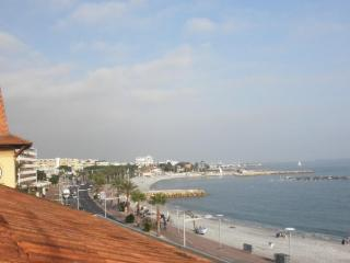 Appartement Cros De Cagnes face a la mer - Cagnes-sur-Mer vacation rentals