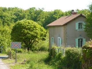 Charming Villa with Satellite Or Cable TV and Television - Excideuil vacation rentals