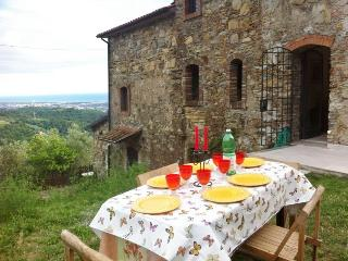 Cottage with stunning sea and mountain views - Castelnuovo Magra vacation rentals