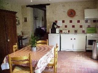 Cozy 2 bedroom Descartes Gite with Internet Access - Descartes vacation rentals
