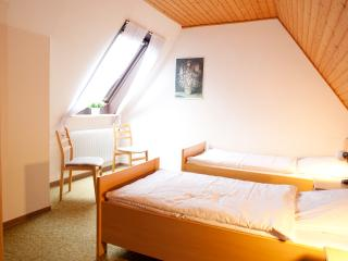 2 bedroom Guest house with Short Breaks Allowed in Aurich - Aurich vacation rentals