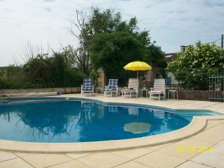 Traditional house with pool in Charente/Dordogne - Chalais (Charente) vacation rentals