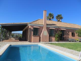 Perfect 4 bedroom Finca in Benalup-Casas Viejas with Internet Access - Benalup-Casas Viejas vacation rentals