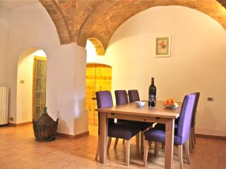 2 bedroom House with Central Heating in Sulmona - Sulmona vacation rentals