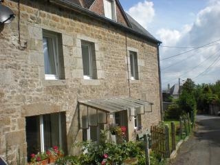 Lovely 2 bedroom House in Saint-Sever-Calvados with Internet Access - Saint-Sever-Calvados vacation rentals