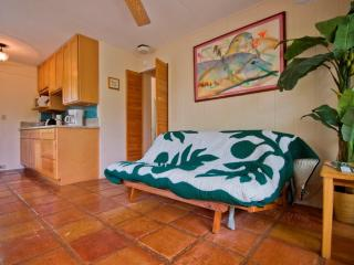 Suite open:10/1-6,10/15-18,11/17-23,12/1-8,1/2-2/9 - Kailua vacation rentals