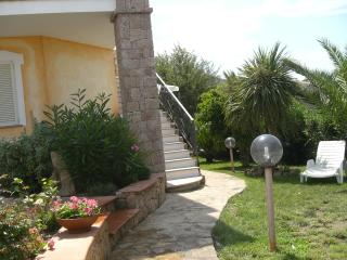 Cozy 1 bedroom Badesi Apartment with Grill - Badesi vacation rentals