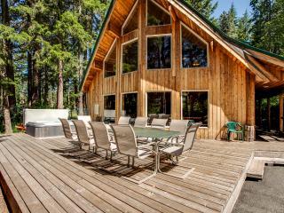 Jordan Lodge Riverfront Leavenworth - 6 Bedrooms - Leavenworth vacation rentals