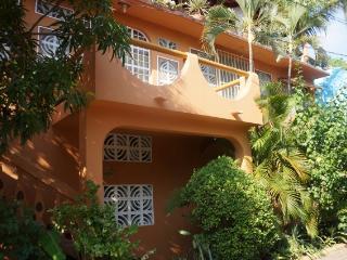 Casa Lagartija-Apt. #1, Spacious Apt. Close to the Beach and Town - Ixtapa/Zihuatanejo vacation rentals