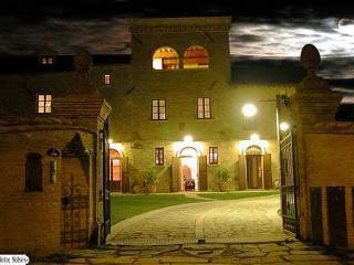 9 bedroom B&B with Deck in Citta di Castello - Citta di Castello vacation rentals