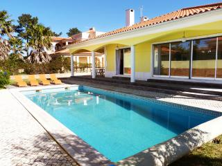 Comfortable 4 bedroom Charneca da Caparica Villa with Internet Access - Charneca da Caparica vacation rentals
