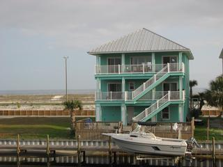 Gulf Front $400 off March- April weeks- Boat dock - Destin vacation rentals