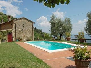 Gorgeous 3 bedroom Capannori House with Television - Capannori vacation rentals