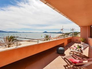 Bright 1 bedroom Penthouse in Port de Pollenca - Port de Pollenca vacation rentals
