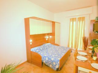 Residence Algarve monolocale 2 pax - Rimini vacation rentals