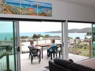 Bayview Bungalow (Guest Suite) - Surfdale vacation rentals