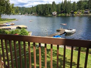 Awesome Lake Roesiger Cabin - Lake Stevens vacation rentals