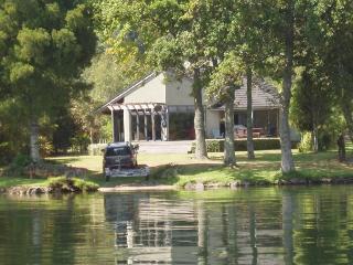 Lakefront Rotoiti - Rotorua vacation rentals