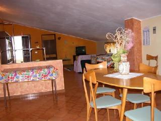 3 bedroom House with Internet Access in Sant Antioco - Sant Antioco vacation rentals